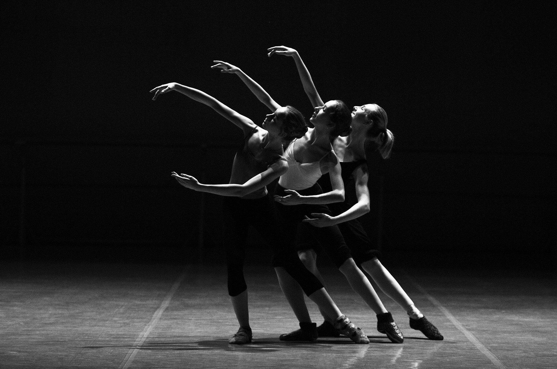ダンス・バレエ上達のためのウォーミングアップ